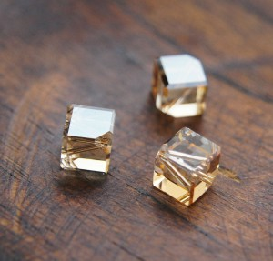 Swarovski Diagonal Cube - Golden Shadow 6 mm [1 szt]